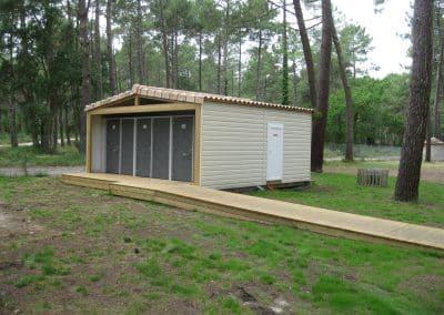 Création et installation de blocs sanitaires ouverts