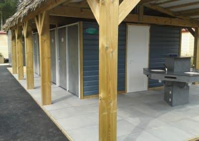 bloc sanitaire ouvert pour camping