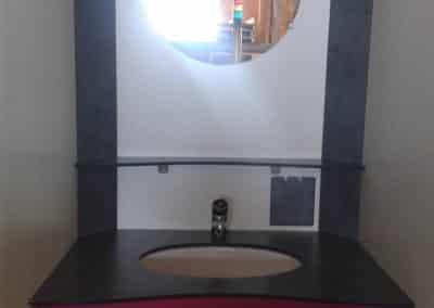 cabine polycompact accessoirisée