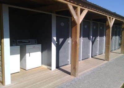 BLoc sanitaire pour camping aménagé et équipé